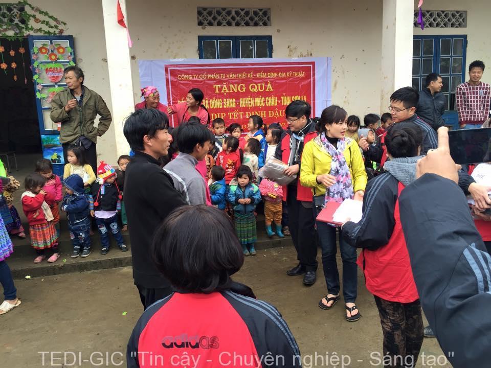 Tang qua Moc Chau 2017 (2)