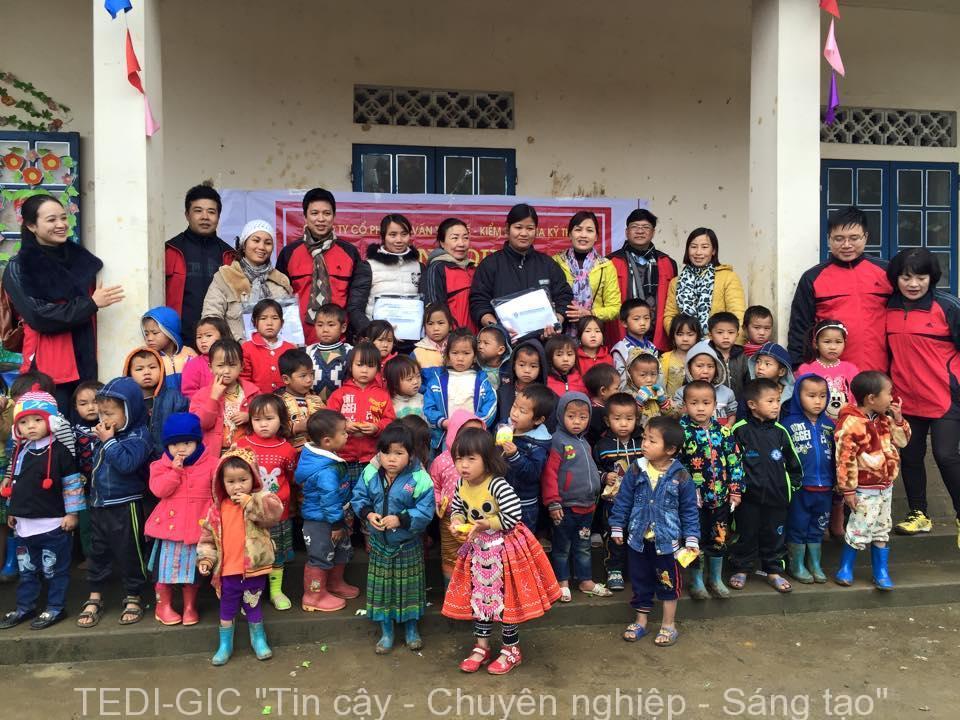 Tang qua Moc Chau 2017 (7)
