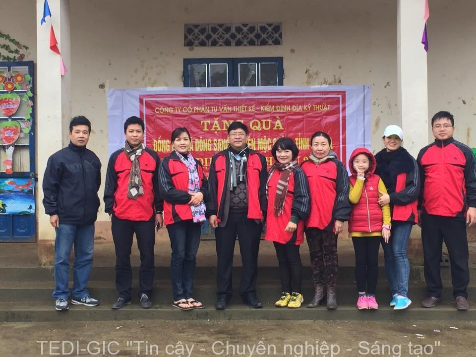 Tang qua Moc Chau 2017 (8)